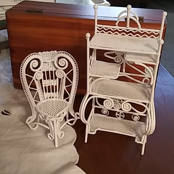 Vintage metal Doll House Furniture